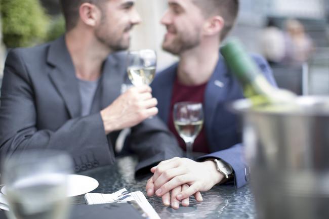 gay couple rencontre à Saint-Ouen-sur-Seine